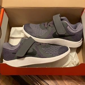 Nike little boy size 9 Revolution Grey sneakers